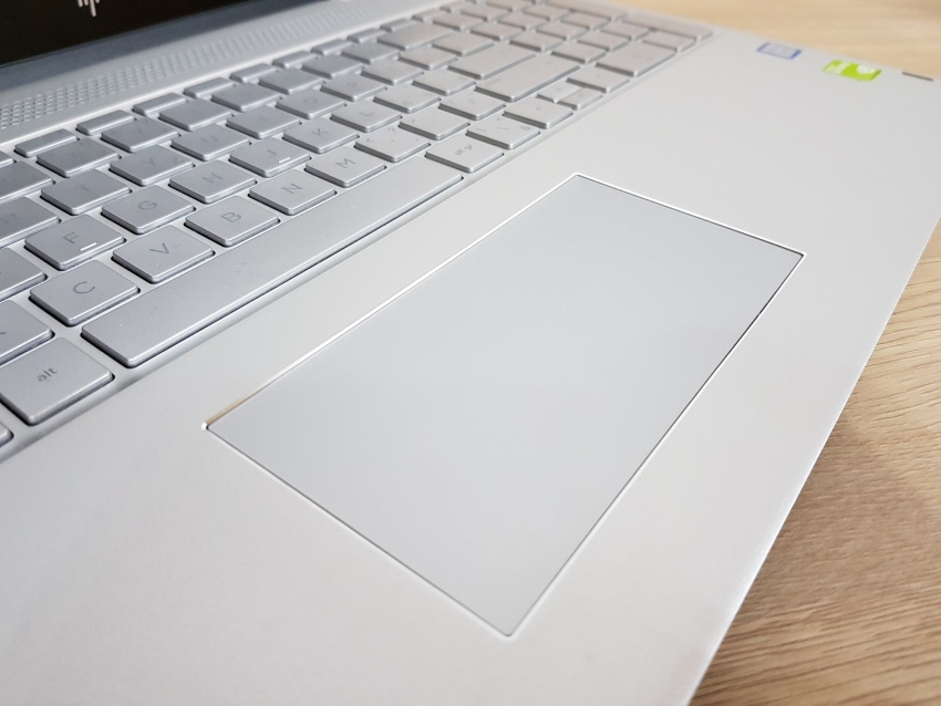 HP Envy 15 - touchpad