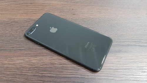 iPhone 8, rear view