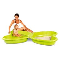 Sandpit and swimming pool with fountain - Sandpit