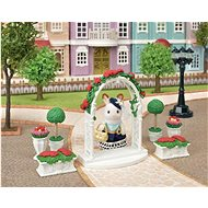 Sylvanian Families Town - Flower Decoration with Gate - Game Set